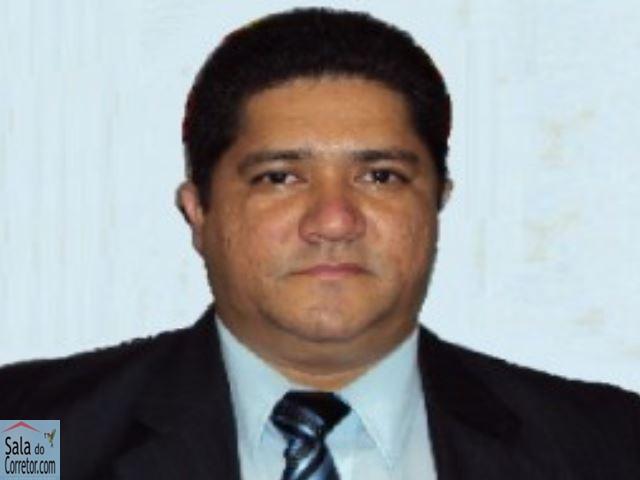 Ricardo Barbosa Maia - CRECI/CE 7.980F