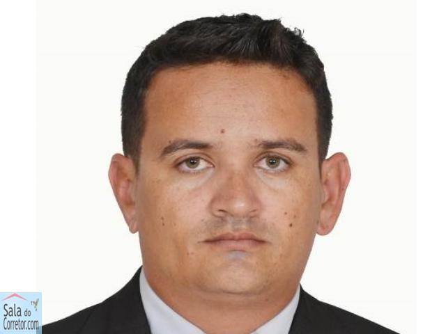 Sauro Augusto Sampaio Nogueira - CRECI/PI 2.466F